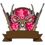 女孩鹿狩猎阵营 免版税库存照片