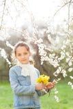 女孩,春天,爱,绽放,戏剧,乐趣,好,孩子,孩子 免版税库存图片
