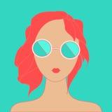 女孩头发红色时髦 免版税库存图片