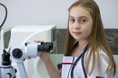 女孩-医生 库存照片