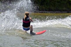 女孩滑水竞赛 免版税库存图片