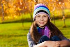 女孩画象在公园 免版税库存图片