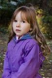 女孩画象在森林里 免版税图库摄影
