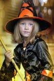 女孩画象巫婆服装的 免版税库存图片