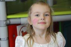 女孩画象有蓝眼睛的 免版税库存图片