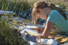 绘画女孩 免版税图库摄影