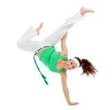 女孩capoeira舞蹈演员摆在 免版税库存照片