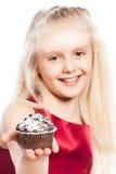 女孩givng蛋糕 库存图片