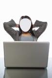女实业家匿名的膝上型计算机 库存照片