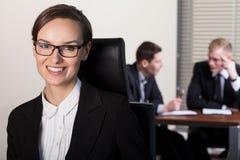 女实业家和工友 免版税库存图片