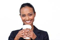 女实业家咖啡杯喝 免版税库存照片