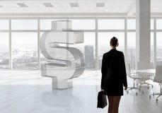 女实业家在顶楼办公室 库存图片