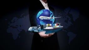 女实业家开放棕榈,与飞机,火车,船,汽车运输,世界地图,地球的生长全球网络