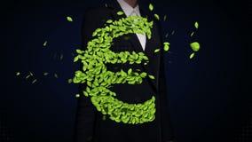 女实业家感人的绿色叶子欧洲金钱,货币符,做由叶子 影视素材