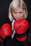 女实业家拳击 免版税库存图片