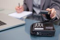 女实业家挂断的电话 免版税图库摄影