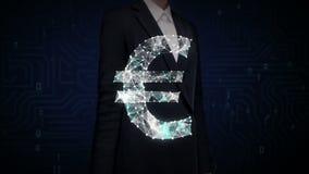 女实业家接触了屏幕,许多小点会集创造欧洲货币符,低多角形网 影视素材
