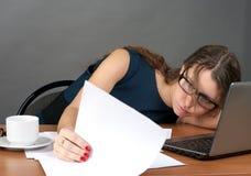 女实业家疲倦 免版税库存图片