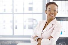 女实业家确信的种族办公室 免版税图库摄影