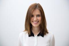 女实业家纵向微笑的年轻人 库存照片