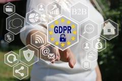 女实业家选择在触摸屏上的GDPR 一般数据保护章程概念 免版税库存照片
