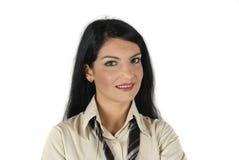 女实业家顶头射击微笑的年轻人 库存照片