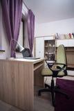 女小学生的室 库存照片