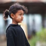 女小学生,缅甸画象  免版税库存照片