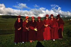 女性修士在西藏 免版税库存照片