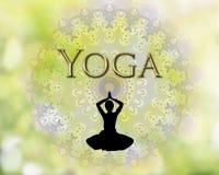 女性剪影实践的瑜伽 免版税库存照片