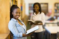 女性单非洲人学生 免版税库存图片