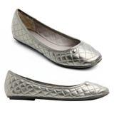 女性对穿上鞋子银 免版税库存照片