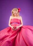 女性怀孕的年轻人 免版税库存照片