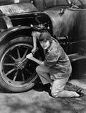 女性技工工作画象(所有人被描述不更长生存,并且庄园不存在 供应商保单Th 免版税库存照片