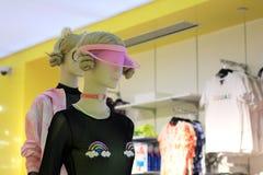 女性时装模特显示 免版税库存照片