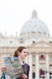 女性映射俏丽的学习的旅游年轻人 库存图片