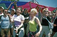 女性法国法国快乐行军巴黎自豪感 库存图片