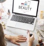 女性秀丽化妆用品医疗保健产品概念 免版税库存图片