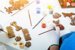 女性糖果商油漆 免版税库存照片