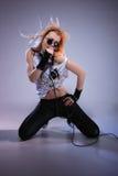 女性纵向摇滚歌手 免版税库存图片