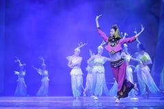 女性舞蹈家跳minnan魅力 免版税库存图片