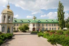 女性虔诚修道院pokrovsk 免版税图库摄影