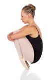 女性跳芭蕾舞者 免版税库存照片