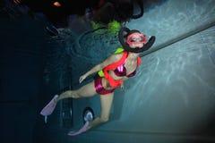 女性轻潜水员 图库摄影