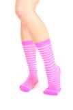 女性镶边的行程桃红色袜子 库存图片