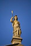 女性雕象战士 免版税库存照片