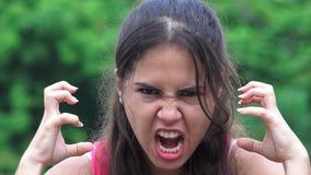 女性青少年和愤怒 股票视频