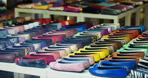 女性鞋子在服装商店 图库摄影