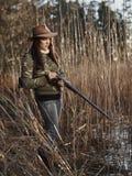 女性鸭子猎人 免版税库存照片