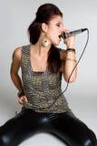 女性rockstar歌唱家 图库摄影